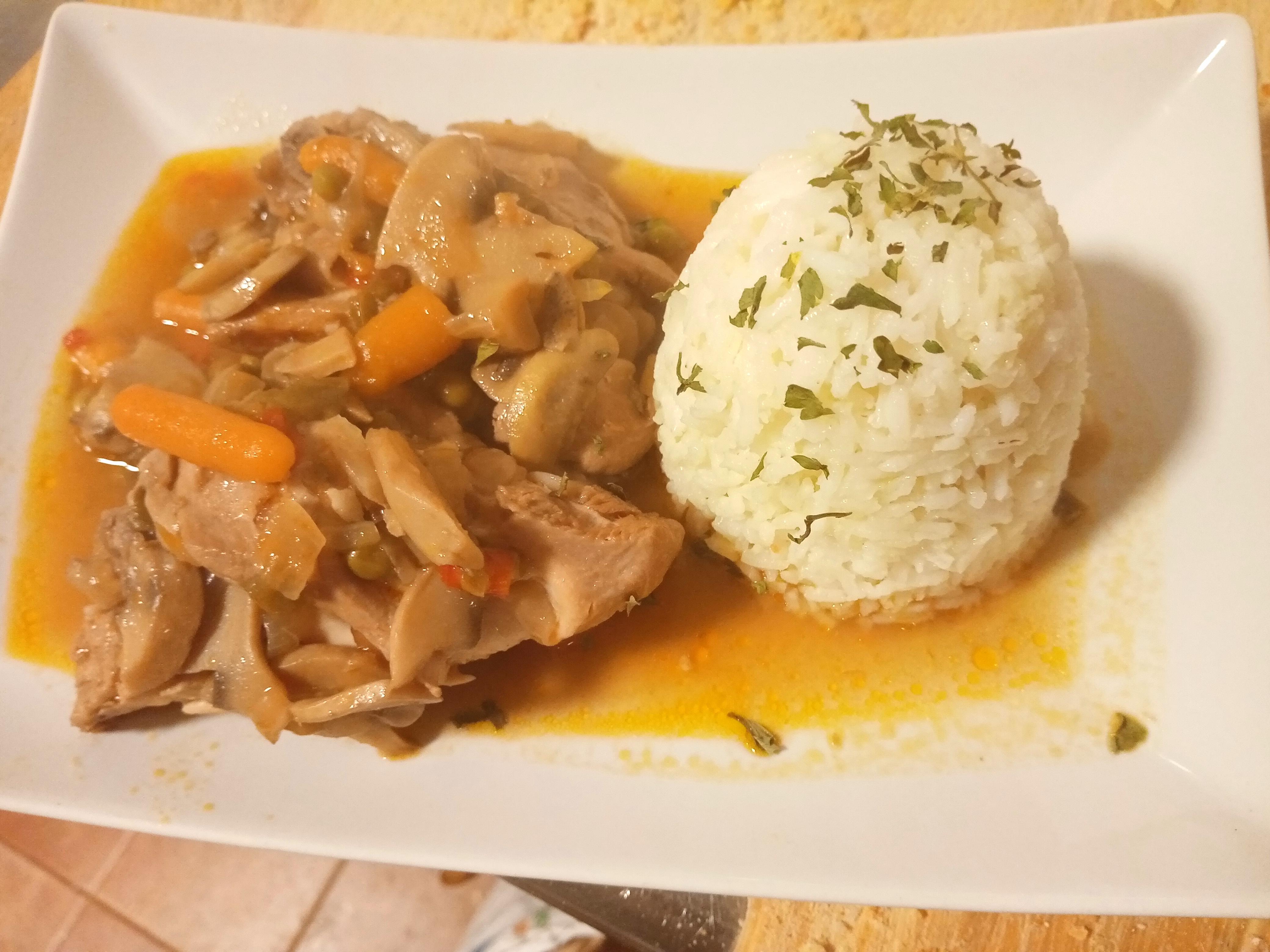 Guiso de pollo con arroz basmati